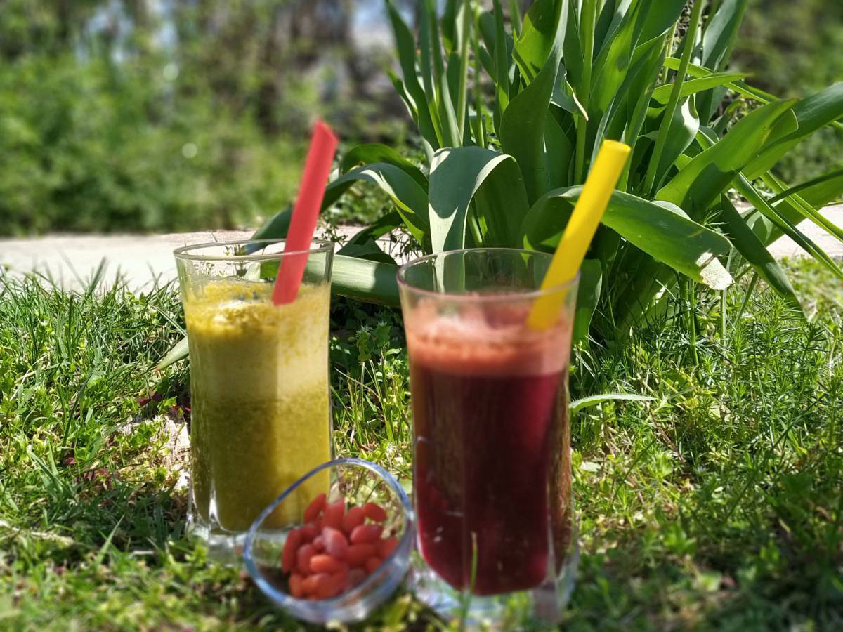 Green Goji Berry Smoothie